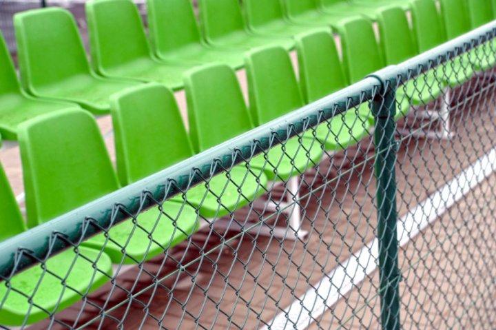 Оцинкрванная сетка рабица для ограждения спортивной площадки